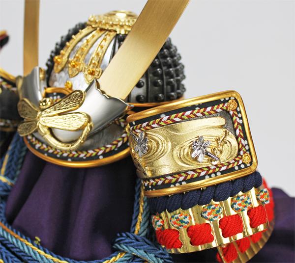 平安道齋作 10号本金箔押し小札勝虫(かちむし)之兜飾り/吹き返し金具
