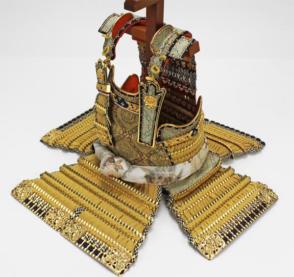 平安道齋作 10号純金箔押総裏白檀之鎧飾り胴内部